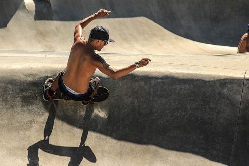 skateboarding-1209472_640
